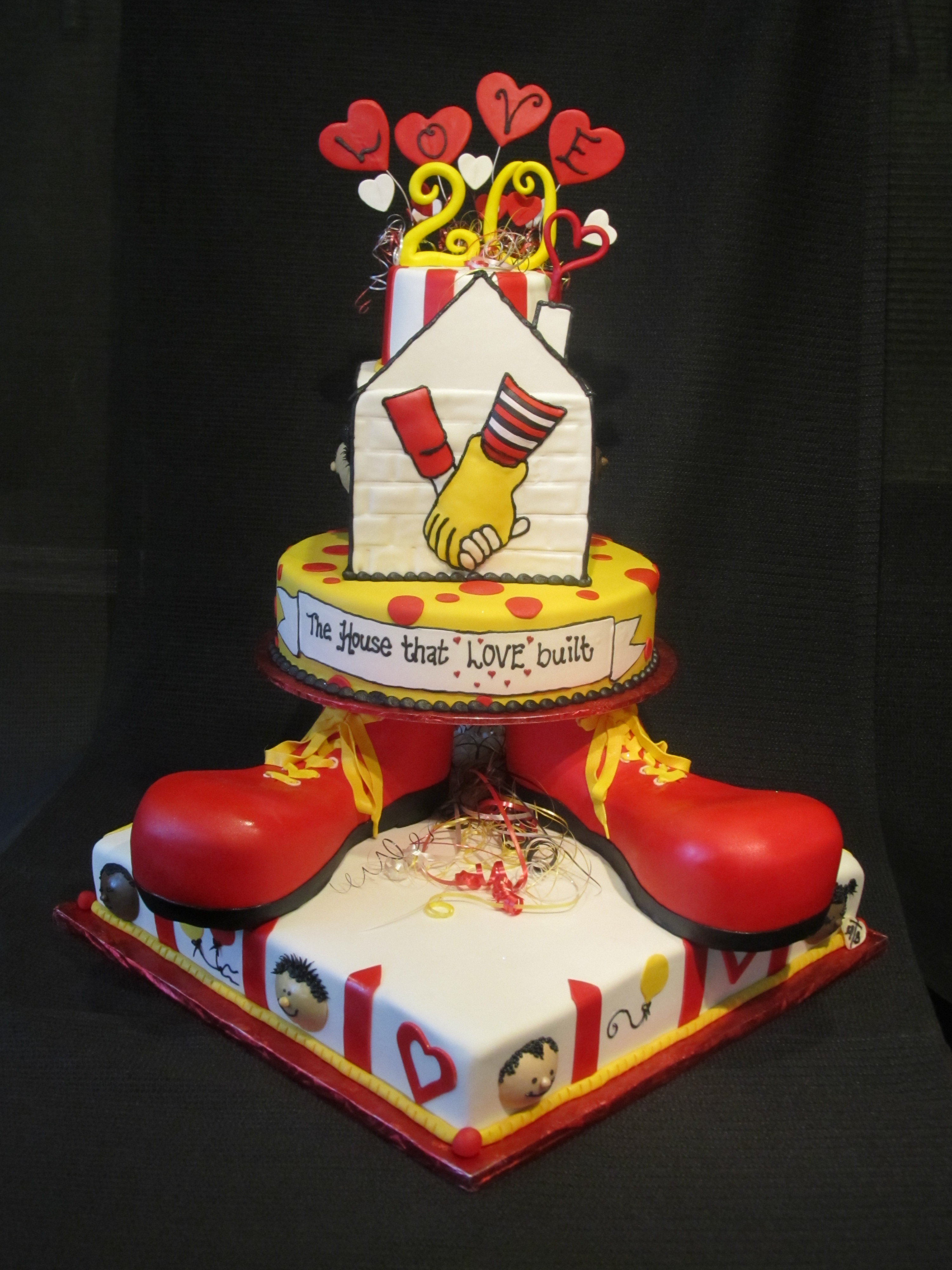 Birthday Cake For Ronald : Ronald McDonald Celebration Cake